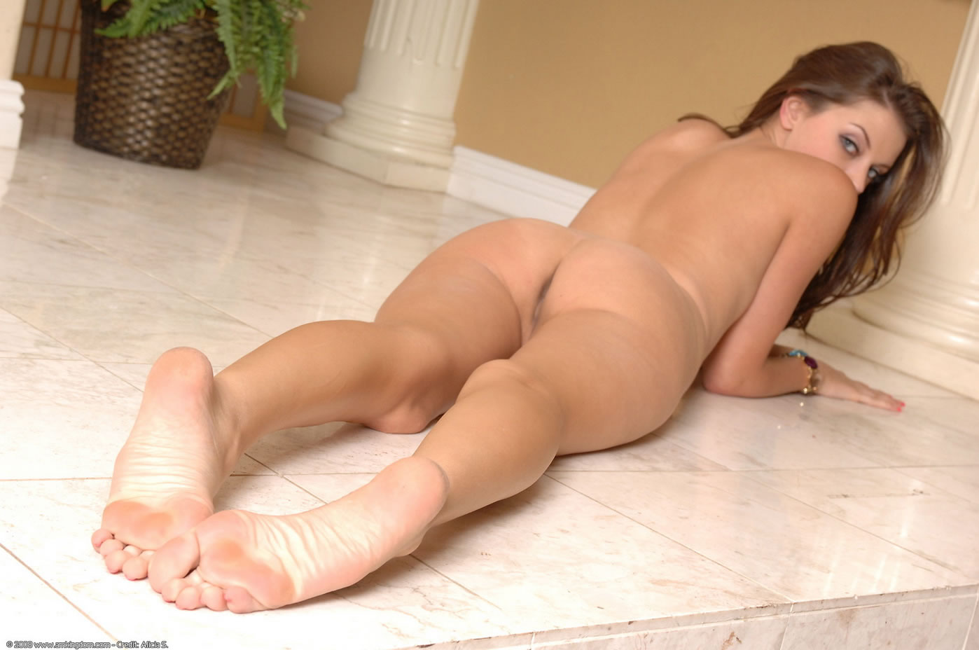 Feet Hot Teen With 82