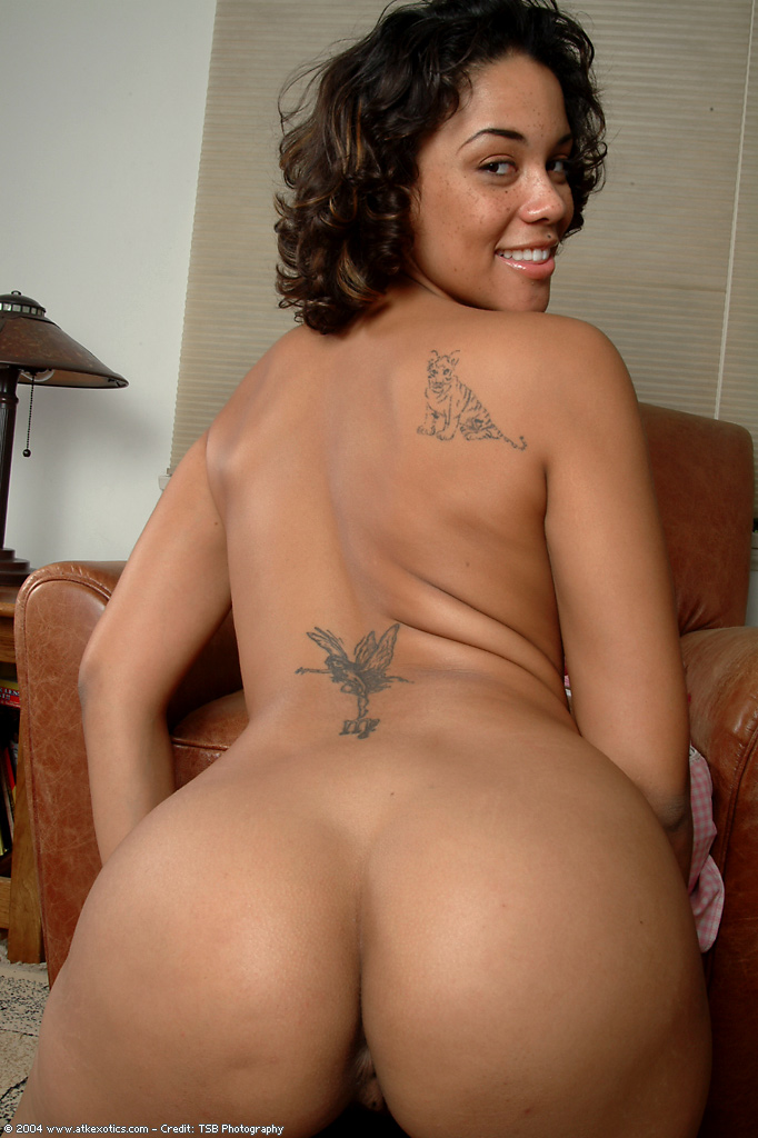 heavy hispanic women nude